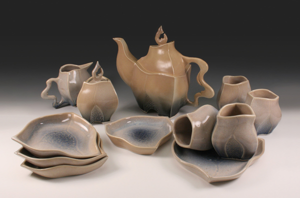 Teapots and Tea Sets (2/3)